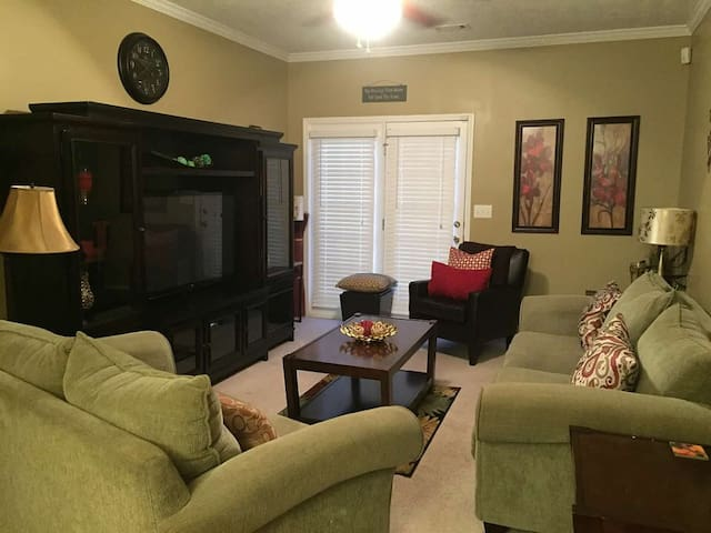 Great Masters Rental - Townhouse
