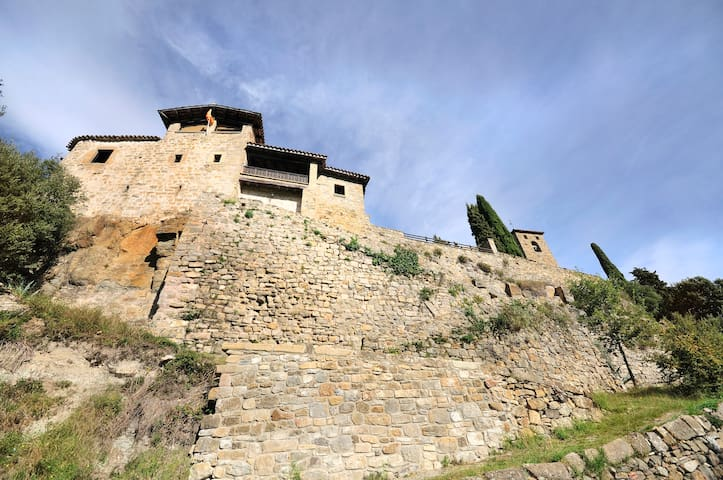 Medieval Castle for 10 persons  - Llaés - Castell