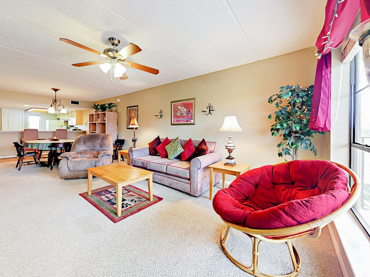 Spacious and sun-drenched living area. Professionally cleaned by TurnKey's dedicated housekeeping staff.