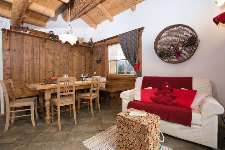 Verträumtes Ferienhaus in Bellamonte (Italien) mit Whirlpool