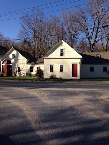 An affordable stay minutes from Wachusett Mountain