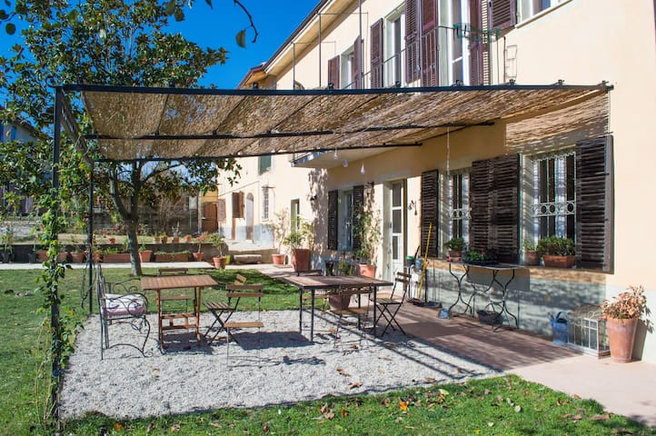 Vicentini im Monferrato - Gelb - Alfiano Natta - Bed & Breakfast