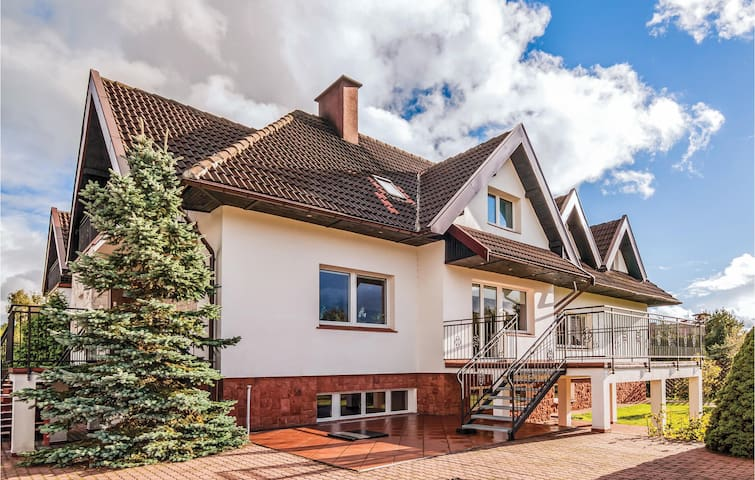 Semi-Detached with 3 bedrooms on 250m² in Borowo
