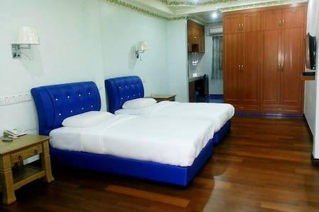 Spacious Twin Room in North Borneo! - Szoba reggelivel