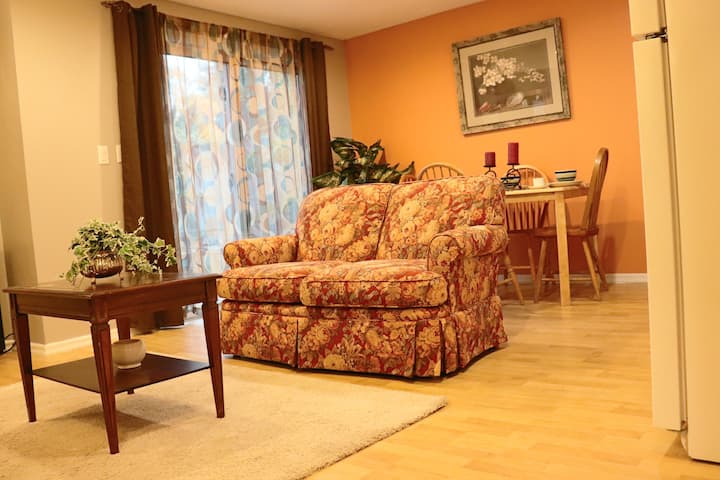 Cozy Suite in The Best Area of Oshawa