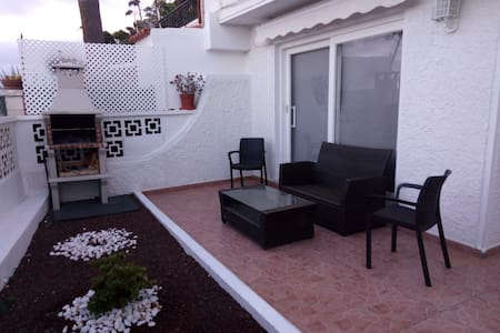 Lovely apartment with veranda&sea view in Tabaiba
