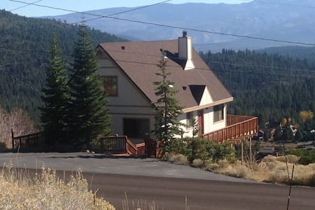 Cabin w/ stunning Views of Truckee! - Truckee