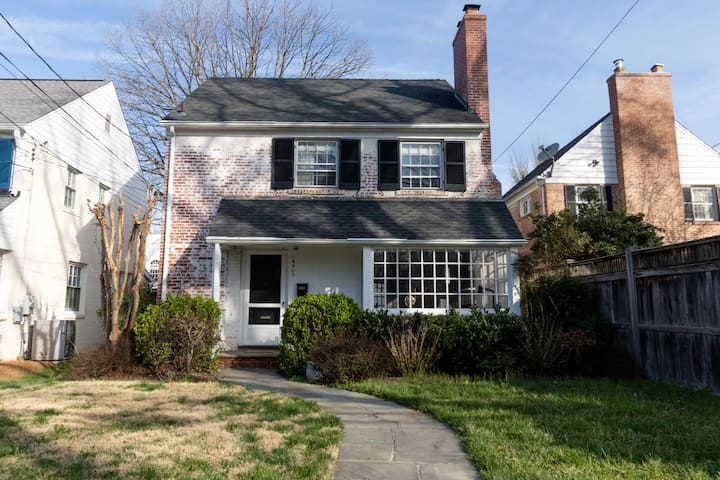 Stately 3BR Home in NW DC near Georgetown Univ