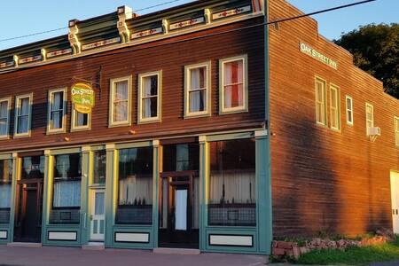 Oak Street Inn - Gold Suite - Calumet, MI