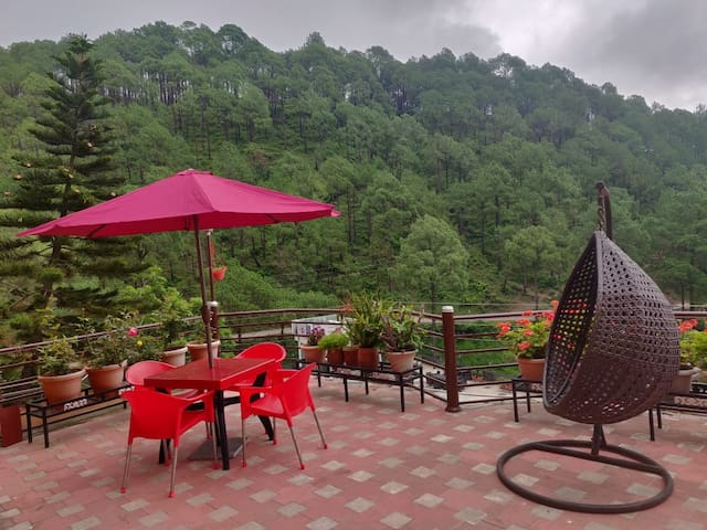 Home, Nature, Peace-Studio Apartment I (Kasauli)