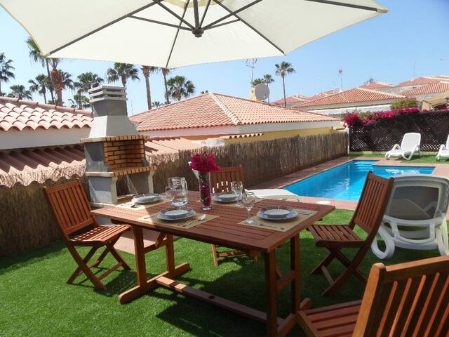 VILLA 273 WITH CAR INCLUDED AND PRIVATE POOL - Callao Salvaje - Villa