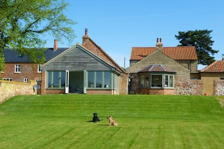 Barn Conversion in tranquil spot - Kings Lynn - Hus