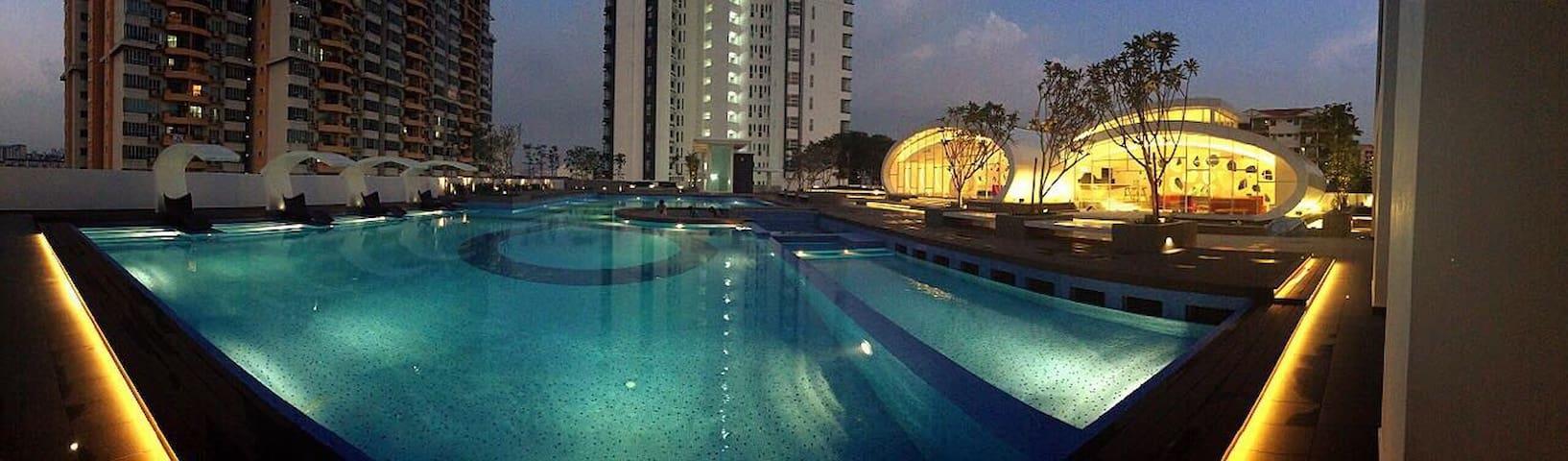 时尚豪华公寓Arte Kuchai lama快速网络500mbps包括私人浴室