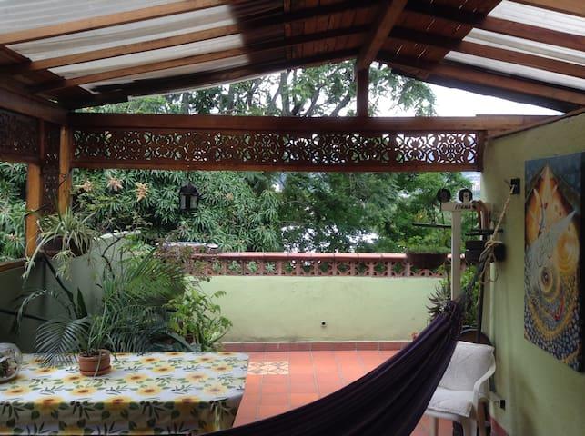 Apartamento con Arte y naturaleza - Medellín - Apartamento