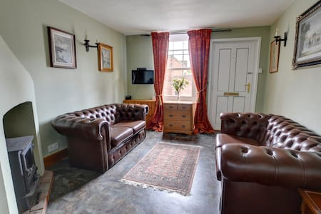 Beautiful Cottage-Sleeps 5 - Luxury and Value! - Tenterden