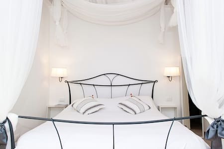 Charming Juliet room B&B - Bussolengo - 住宿加早餐