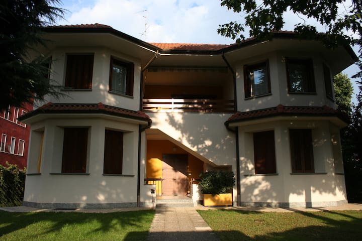 grande appartamento in villa  - Cavenago di Brianza - Villa