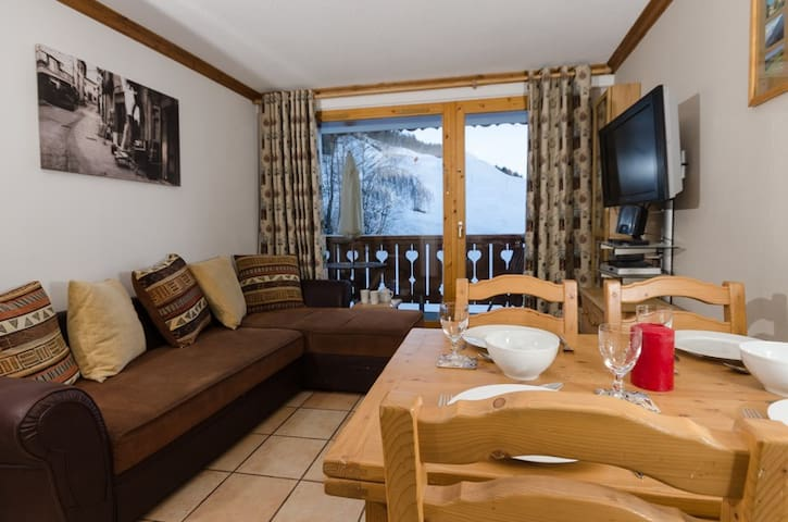 La Plagne 14B Stunning Piste Views