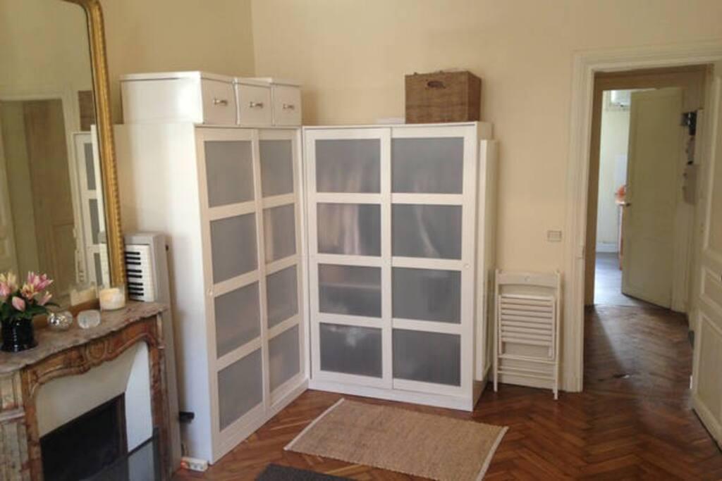 Salon/ living room
