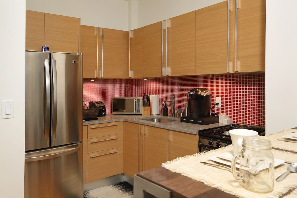 Fully equipped kitchen. Coffee machine, toaster. Plus all cooking utensils available.