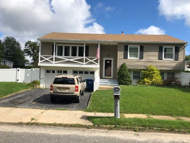 Quiet Conveniently Located 3 Bedroom Home w/ Pool