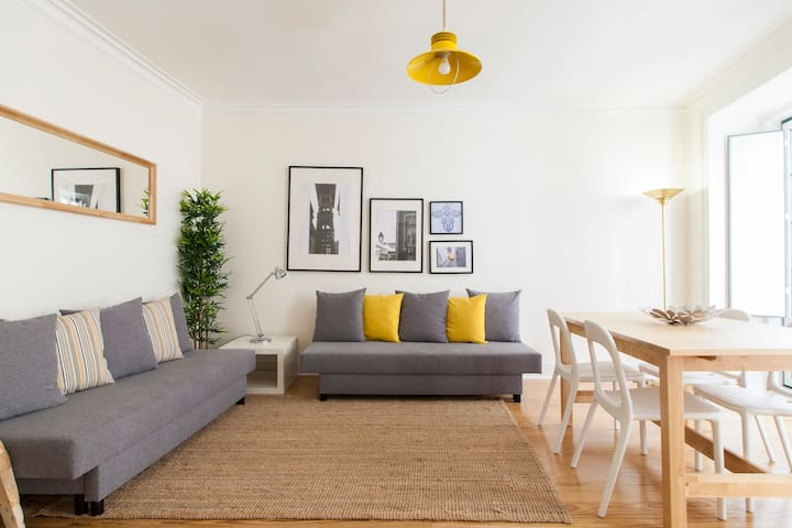 CENTRAL BAIRRO ALTO, 4 ROOMS, UP TO 15 PEOPLE
