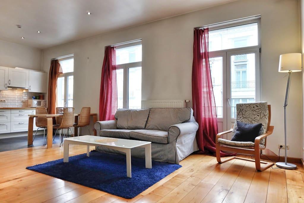 bourse 3 1 bedroom flat central appartements louer bruxelles bruxelles belgique. Black Bedroom Furniture Sets. Home Design Ideas