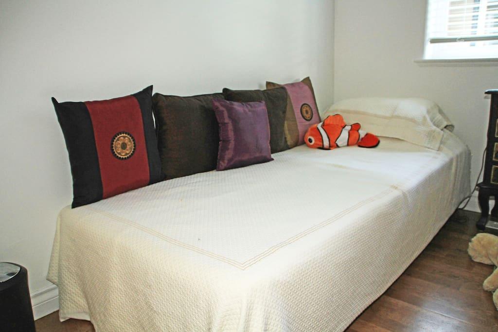 The Cosy Bedroom/ground level