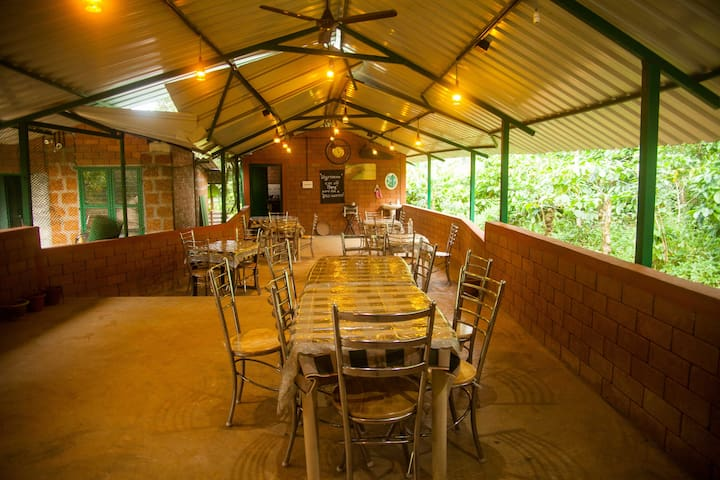 Scenic Cottages In Coffee Plantations- Coorg - Kodagu - Gîte nature