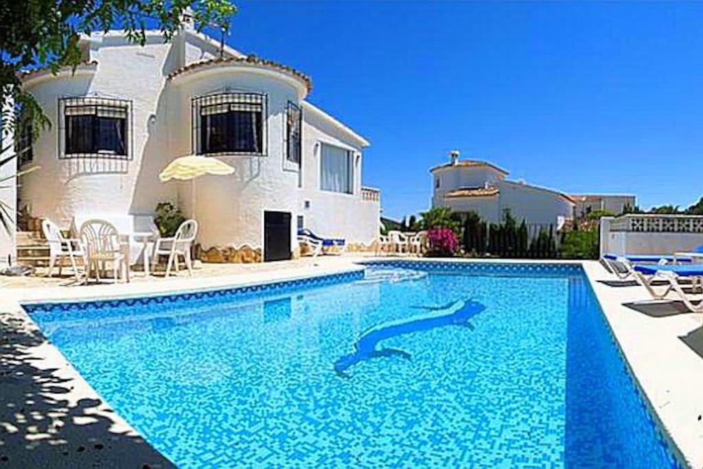 Bed Villas For Rent In Spain