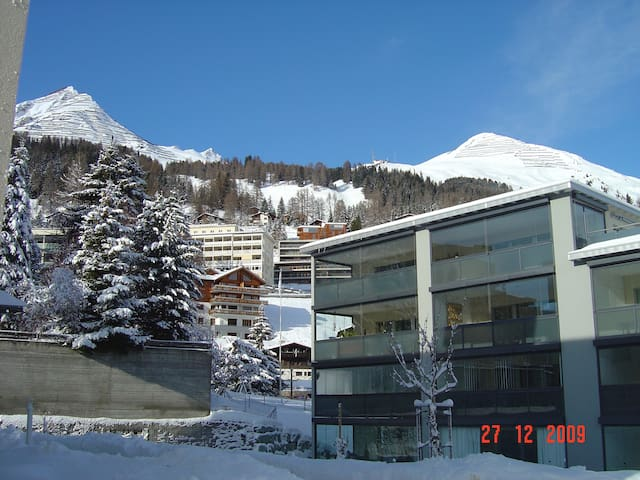 2,5 ROOM APARTMENT WITH BALCONY  - Davos - Huoneisto