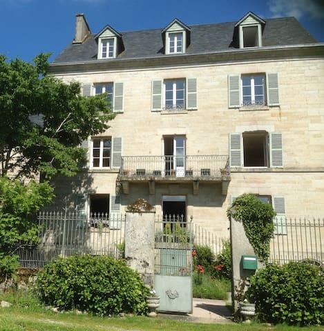 Chez Jallot - Aubusson Room - Vidaillat - Bed & Breakfast