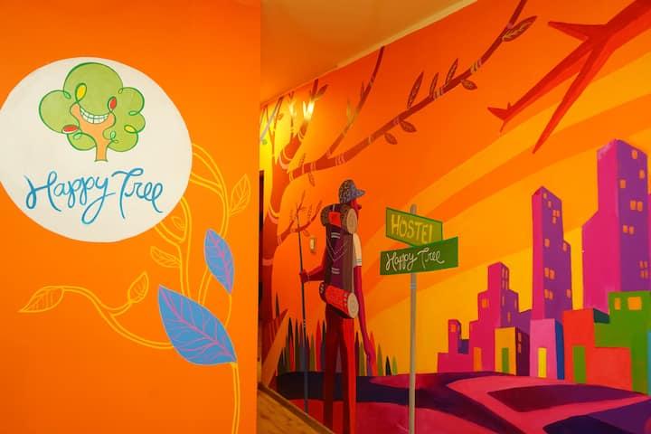 Cama en Habitacion E/ Happy Tree Hostel Peru