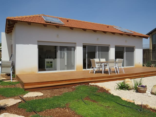 Lovely Zimmers/ House - kfar shamai