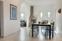 40 m2 Open space with dining and living rooms, along a fully equipped kitchen