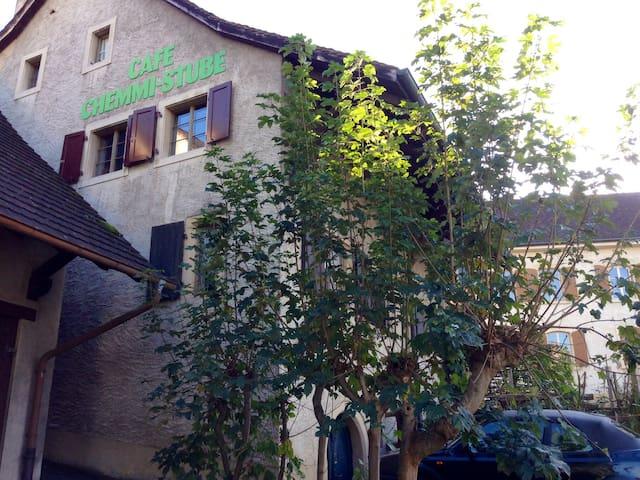 Wunderschöne Lage beim Dorfkern - Muttenz - Dom