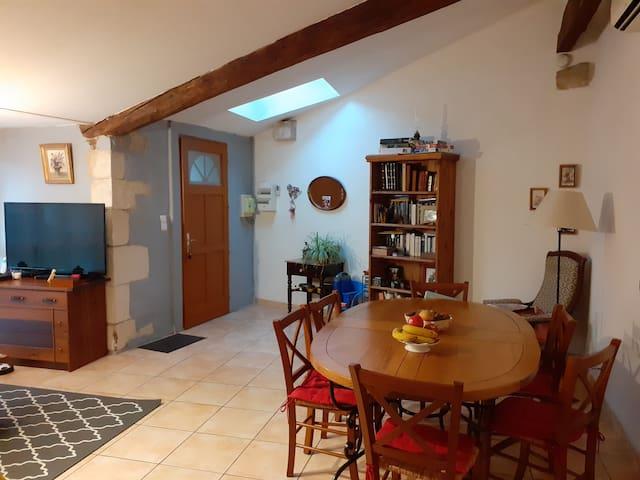 Maison de village à 15 min d'Avignon