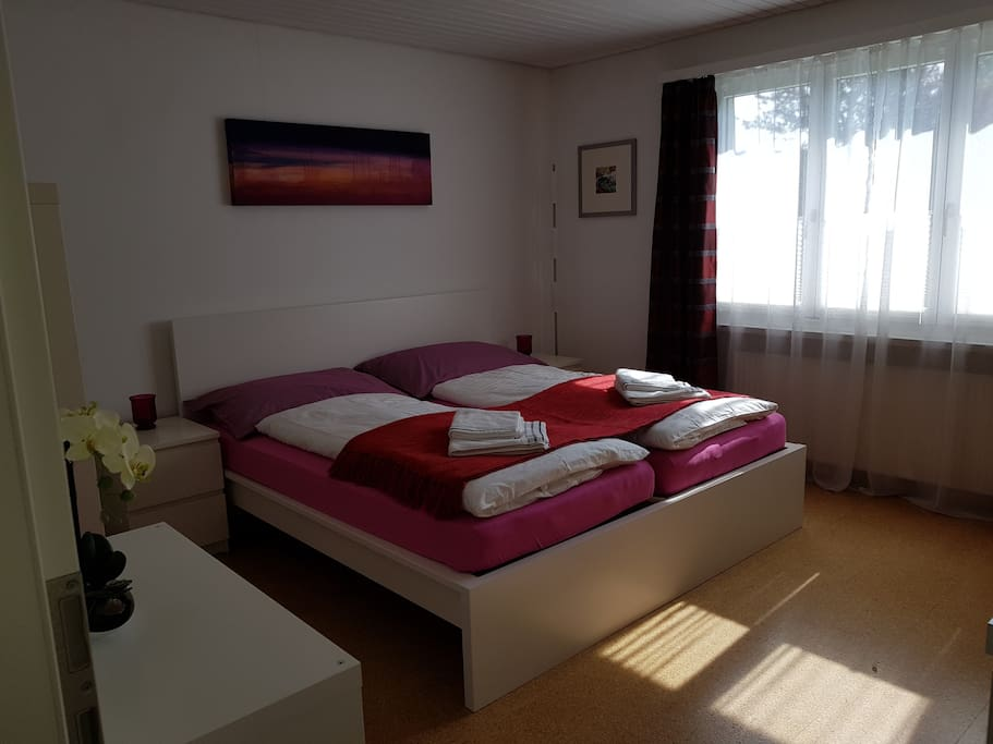 doppel zimmer s d im g stehaus olga guesthouses for rent in lengwil thurgau switzerland. Black Bedroom Furniture Sets. Home Design Ideas