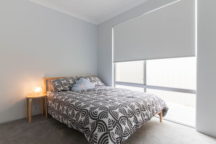 New, Clean and Comfortable room - Dianella - Casa
