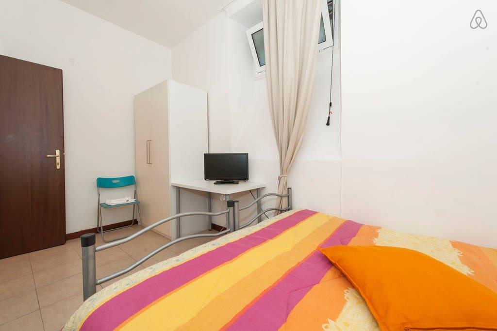 Stanza singola-doppia-matrimoniale / Single-double bedroom