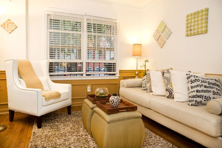 COZY APT TO ISOLATEIN DUPONT CIRCLE OFF 18 St, NW,