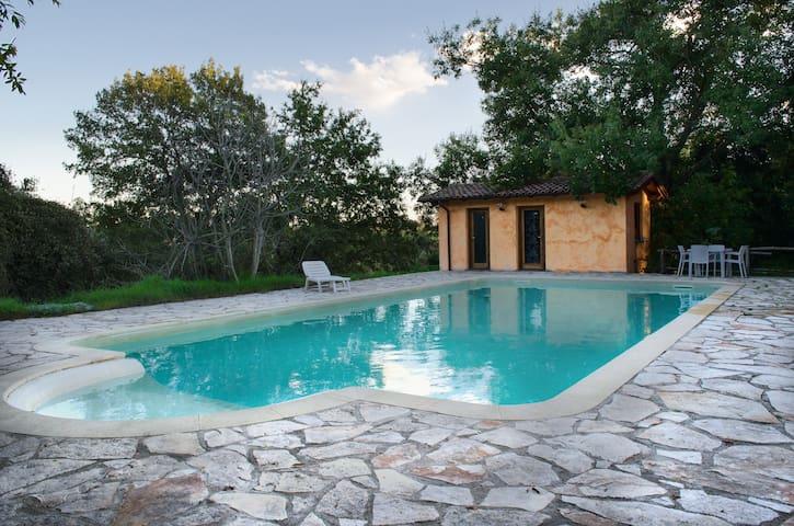 Villa in campagna con parcheggio  - Rom