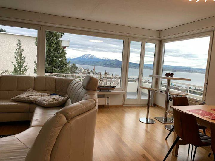 Superb flat with amazing lake view and balcony