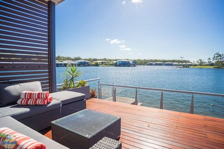 Overwater Retreat - Coombabah