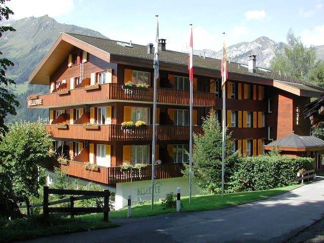 Budget Zimmer im Hotel Bellevue Wengen für 1 Pers.