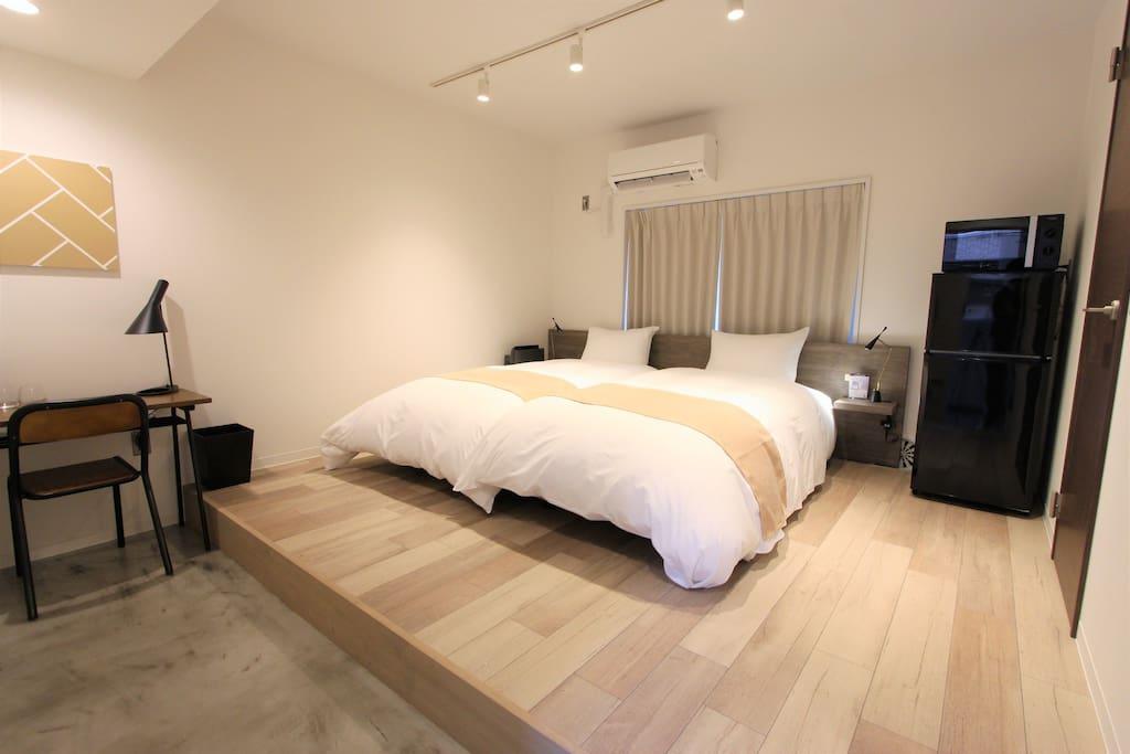 2 single beds 2張單人床