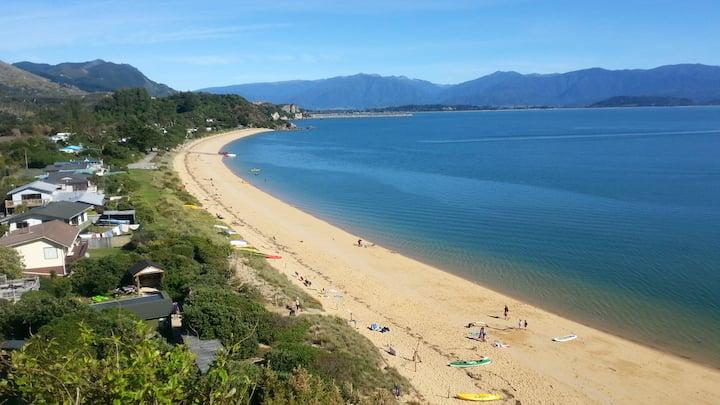 Tata Beach Stay Bach - Explore Golden Bay
