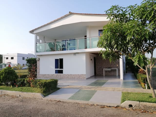 Casa Campestre Luzkayalig- Santo Tomás Atlántico.