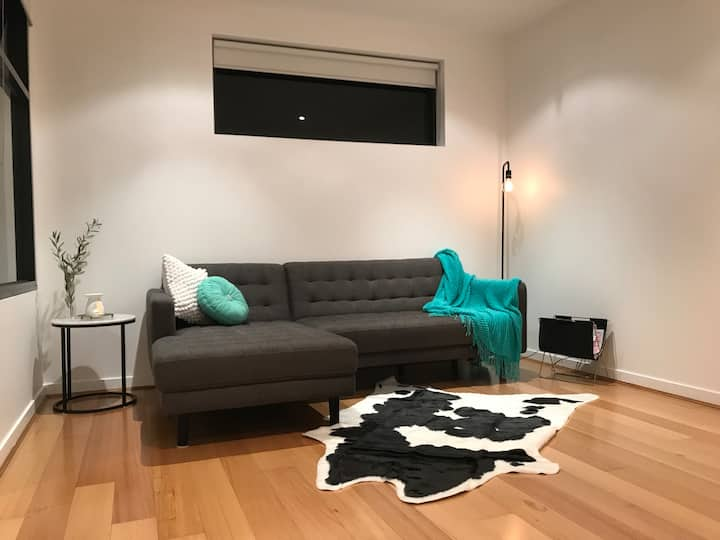 Modern apartment in Moonee Ponds