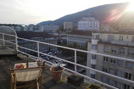 Beau Studio terrasse panoramique - Bienne
